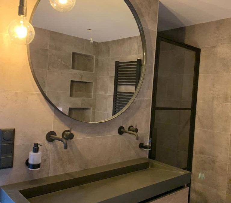 Nieuwe badkamer in Stavenisse