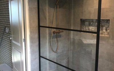 Een WOW badkamer afgemonteerd in Wouw