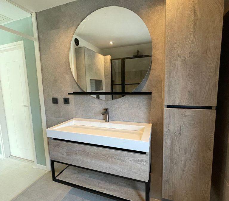 Een echte LINDHOUT badkamer